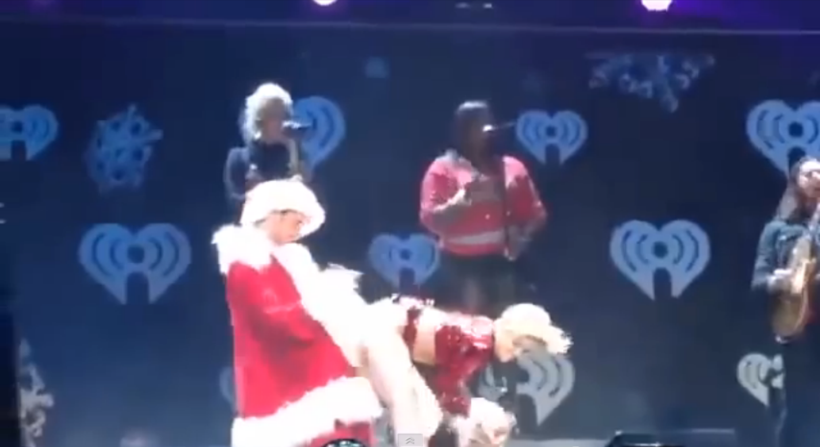 Miley Cyrus hace de las suyas
